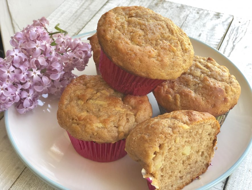 Healthy 100% Whole Wheat Apple Muffins