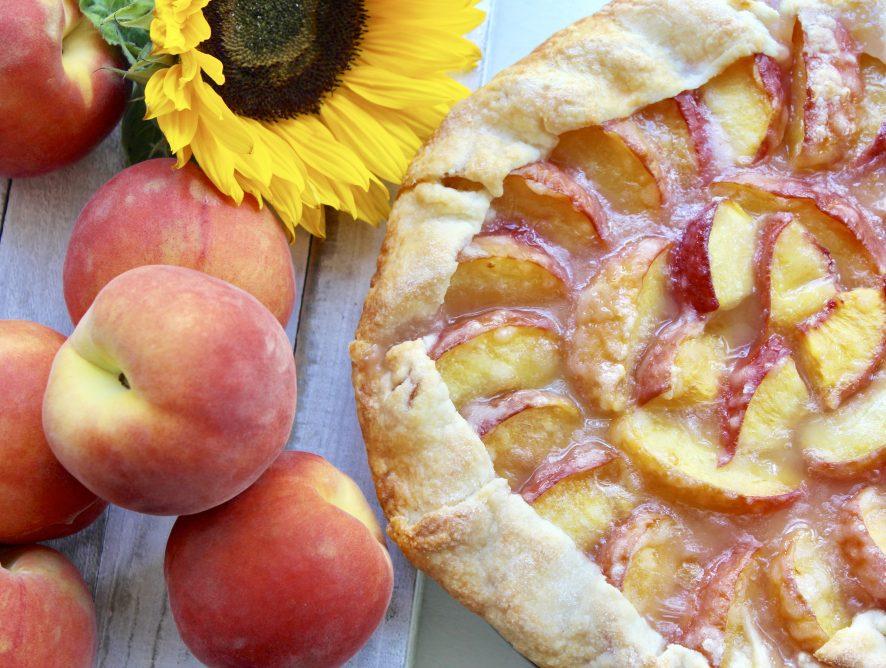 Simple, rustic and delicious Peach Crostata